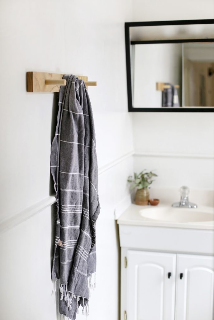 A super simple and practical coat hanger