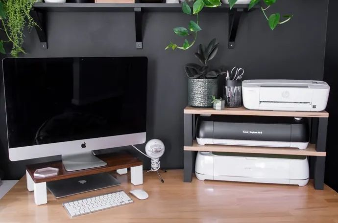 Organize your desk with handmade accessories