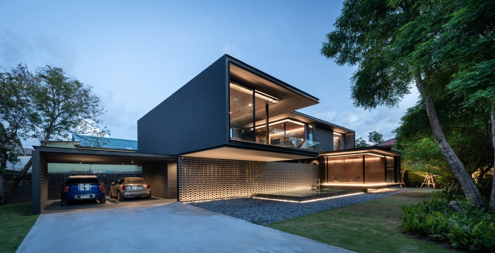 The house as a whole enjoys a modern, clean and simple design
