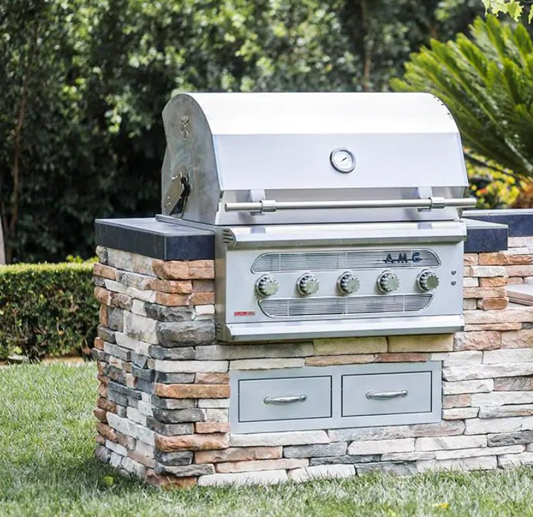 American Muscle Grill 36-Inch 5-Burner Built-In Dual Fuel Wood / Charcoal / Natural Gas Grill