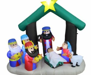 Have a Trouble-Free Holiday by Using Inflatable Christmas Decorations