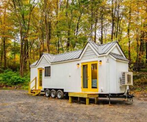 Tiny Farm House On Wheels With A Cozy And Very Practical Interior