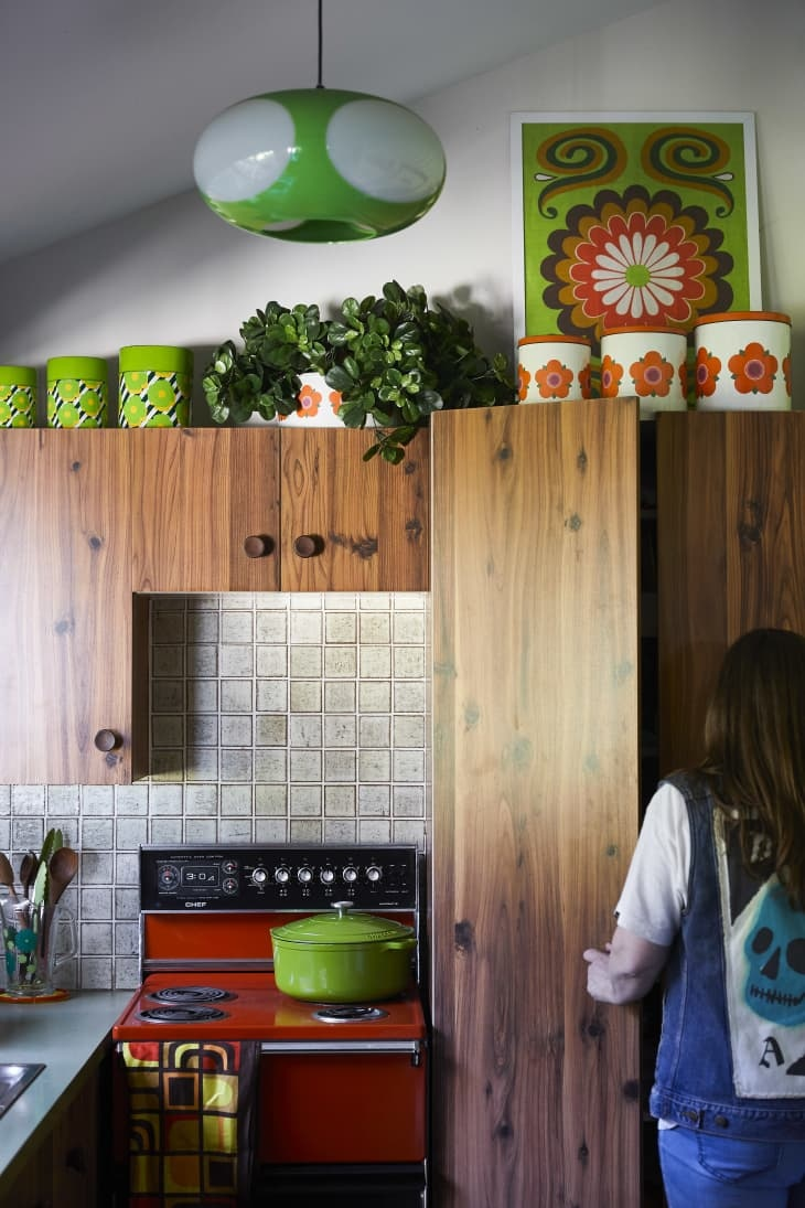 Stylish Ways To Put The Space Above Your Kitchen Cabinets ...