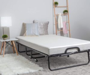 Why To Choose A Portable Bed For Guest Room