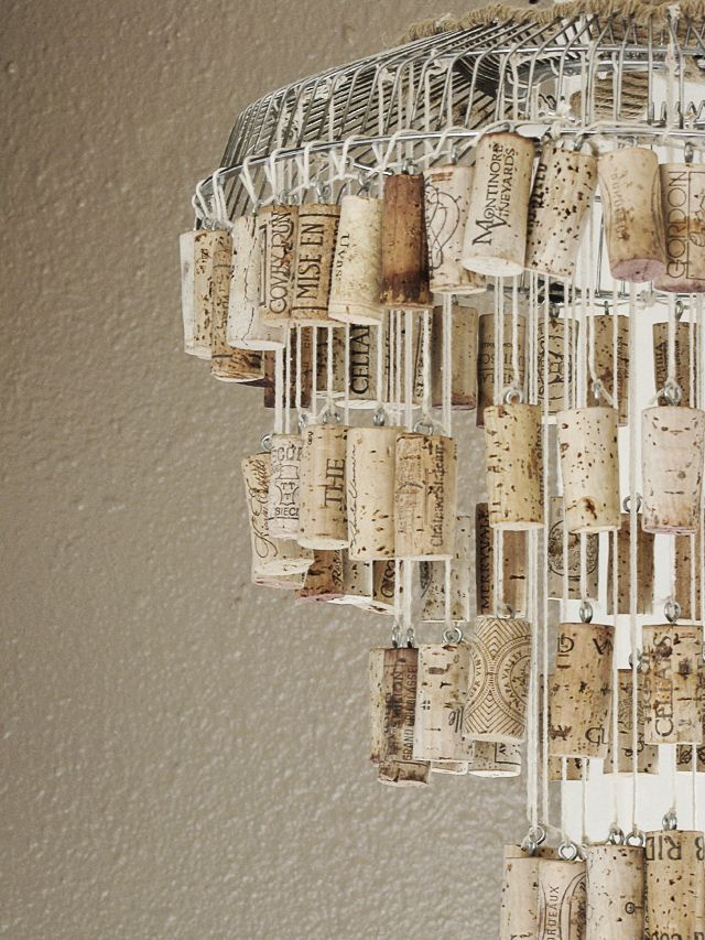 Some of Easiest And Coolest Crafts That You Can Do With Wine Corks