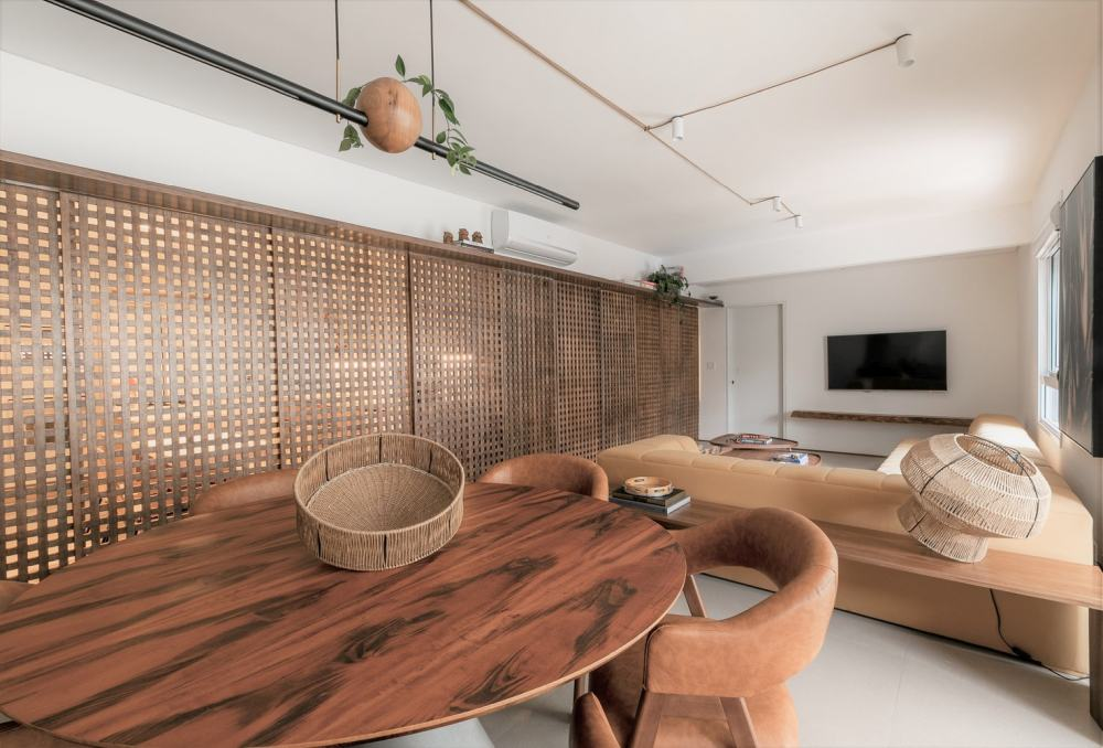 The apartment has a 115 square meter floor plan in total which can be used in a variety of different ways