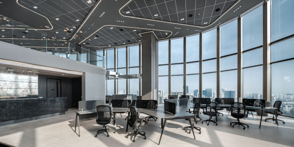 The ceiling has a very detailed and interesting design which blends aesthetics and functionality