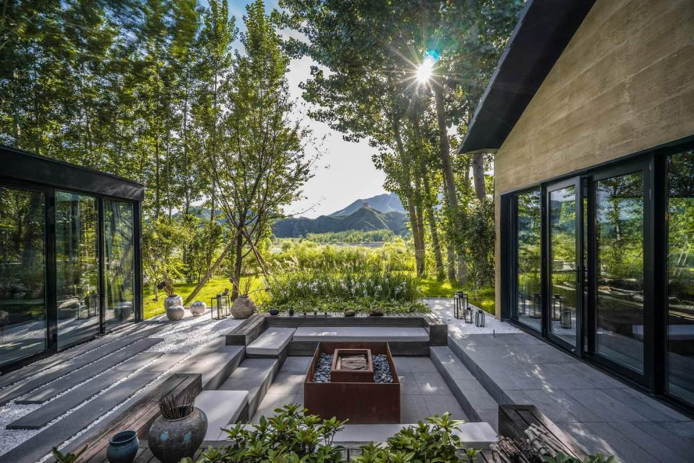 A Beautiful Courtyard House Modeled After Traditional Chinese Homes