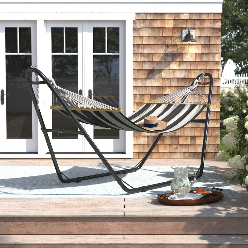 How To Choose The Best Hammock Stand For Swaying In The Breeze
