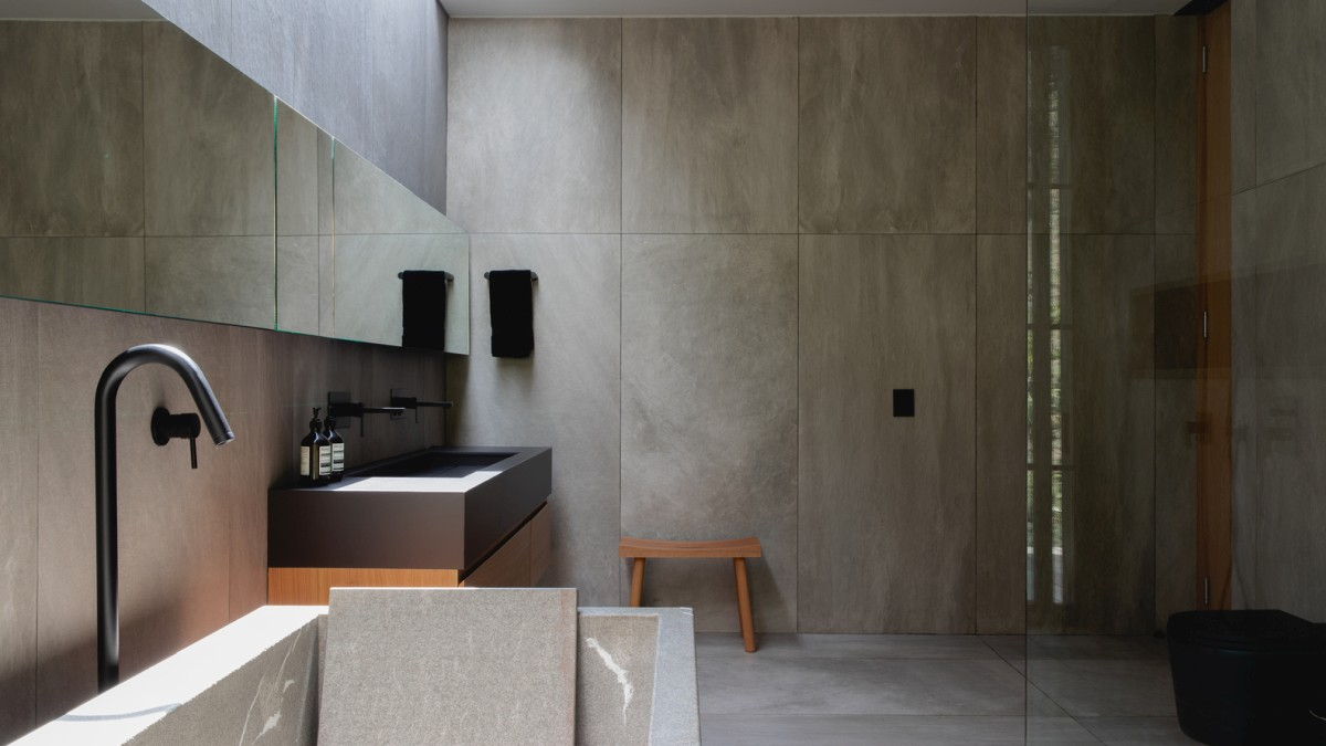 The neutral and earthy colors and materials give this area a modern but also zen and relaxing look