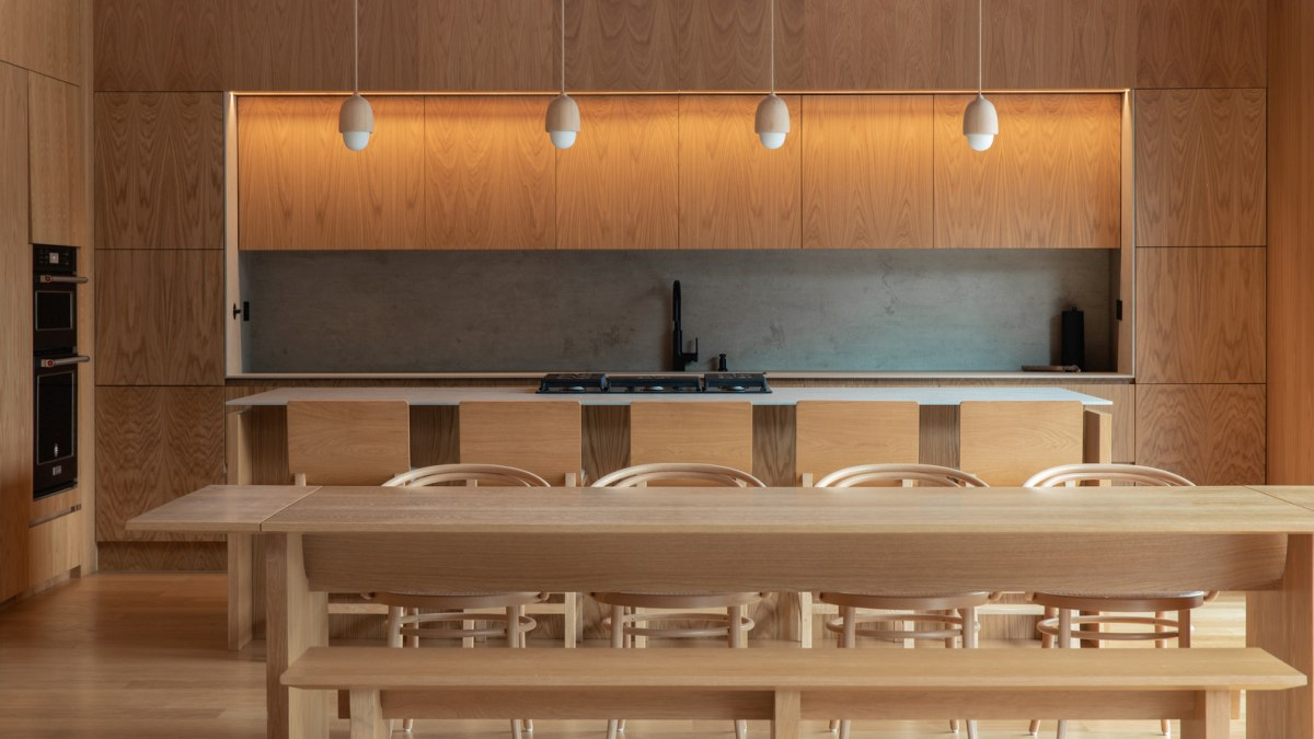 The interior makes use of wood as a primary material and has a very pure and simple aesthetic