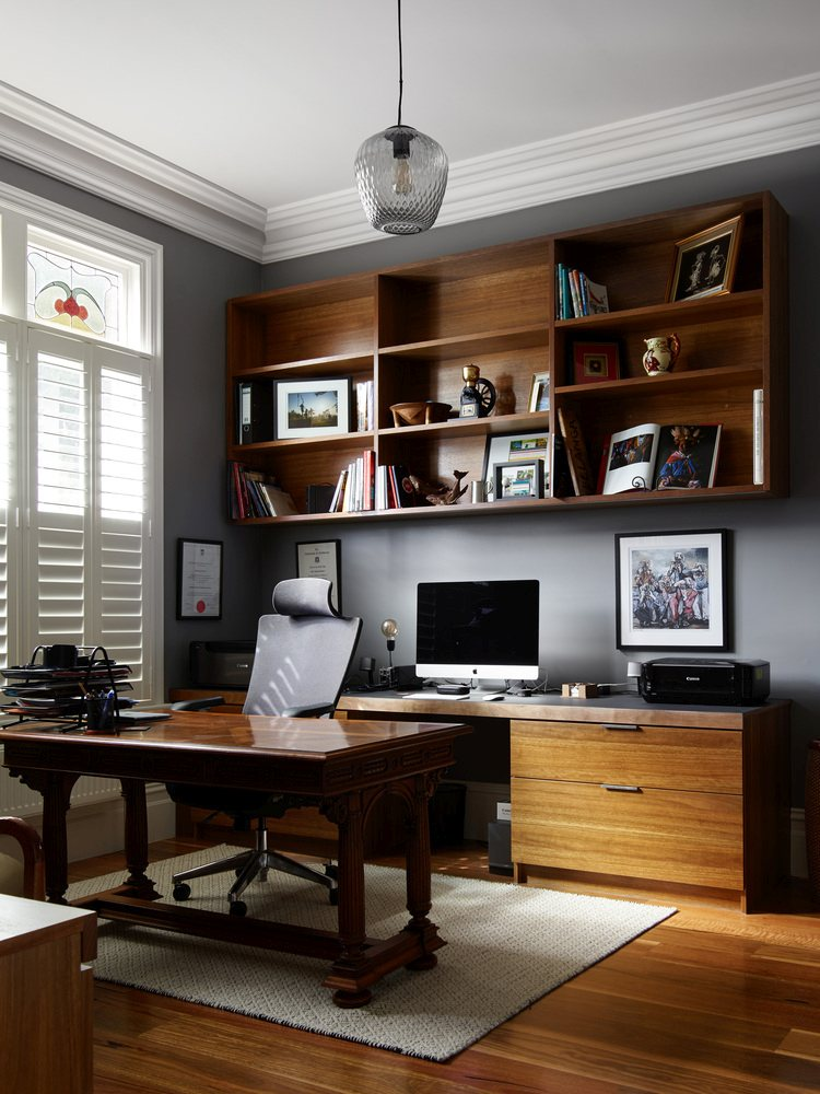 The interior design is a blend of old and new and mixes the two styles in a pleasant manner