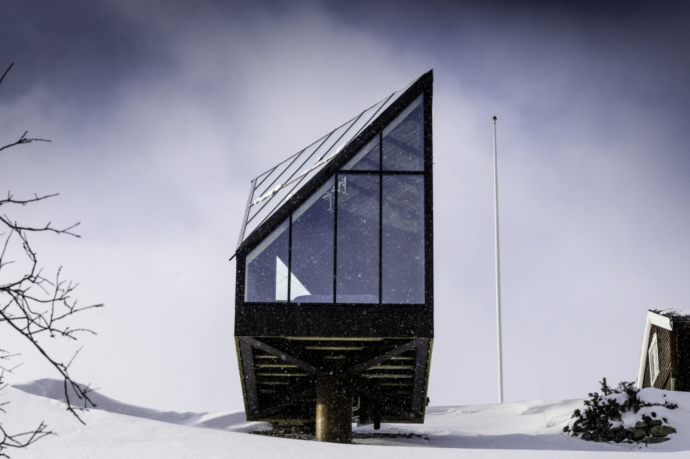 The Architecture of Norwegian Cabins In Relation To Their Breathtaking Surroundings