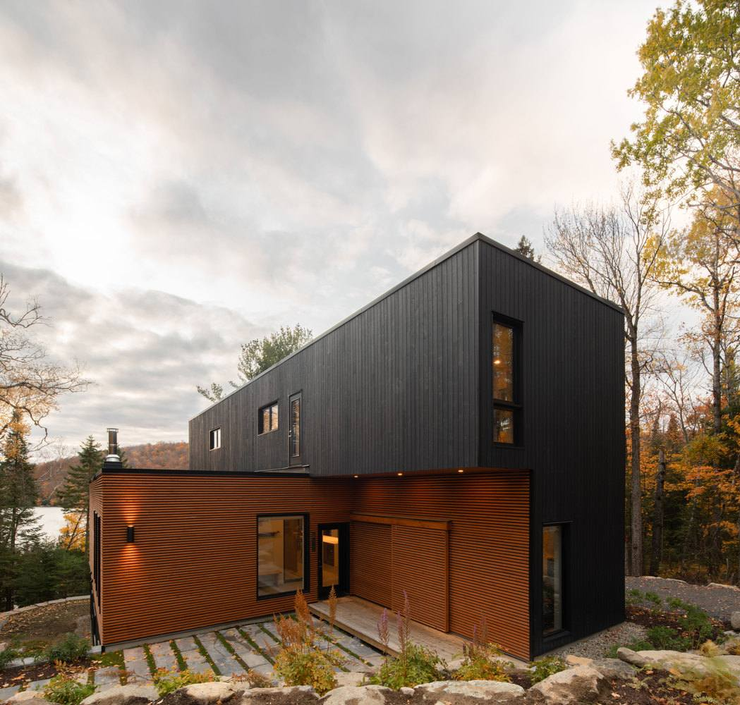 The five modules used in the construction of the house overlap seamlessly