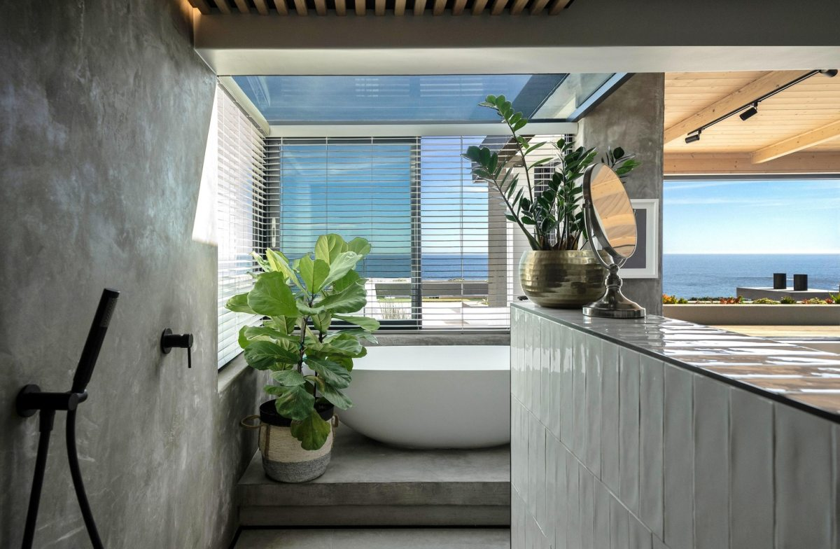 The ocean views can be admired from upstairs and play a big role in the decor