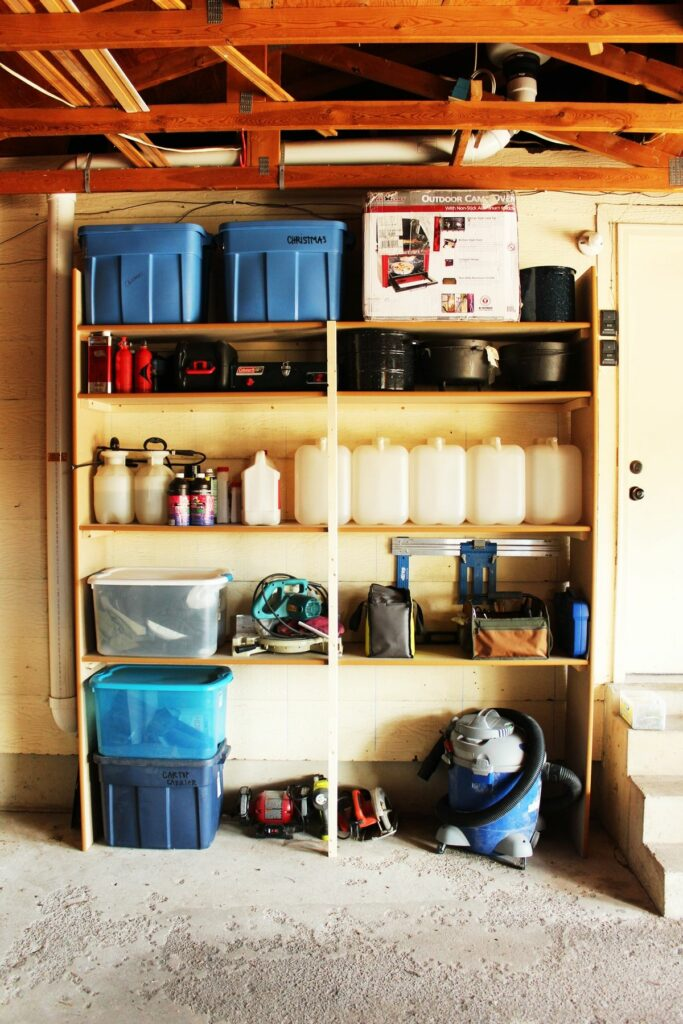 A Guide To The Best Garage Shelving, Best Shelves For Garage