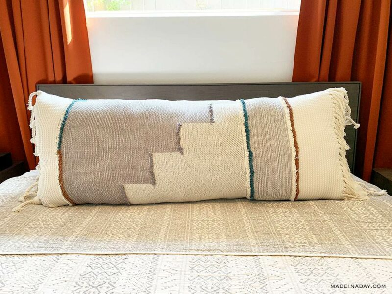 How To Make An Oversized Lumbar Pillow And Other Comfy Accessories From Scratch