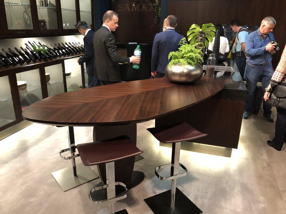 Kitchen leaf design table top