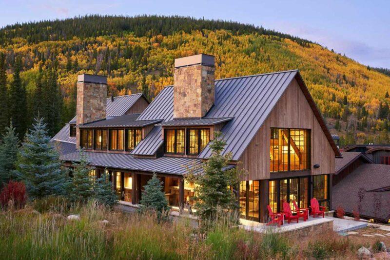 Massive Mountain Retreat In Colorado With A Barn-Inspired Design