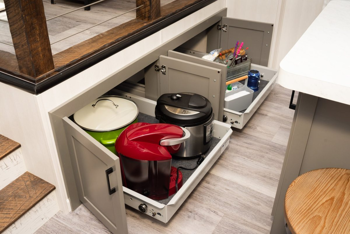 The storage area underneath the raised platform provides even more space for kitchen supplies