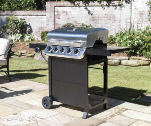 Prepare Feasts with a Gas Grill With Side Burner