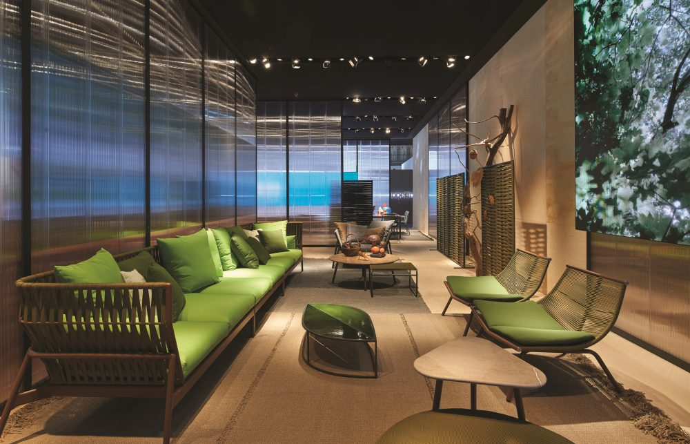 how much do interior designers make