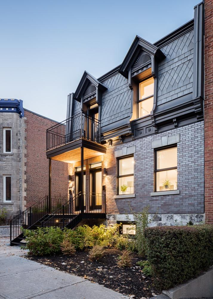 An Old 1880s Townhouse Gets A Full Restoration And Expansion