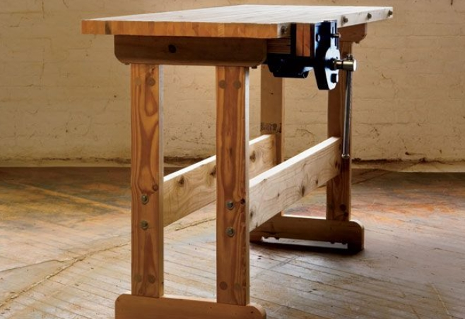 Slender console-style workbench