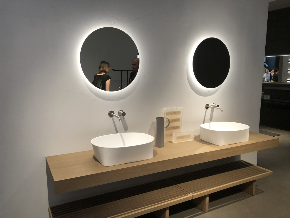 Check Out These Gorgeous Round LED Bathroom Mirror Ideas