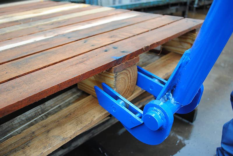 Pallet Buster – A Must Have Tool For Those Who Love To Repurpose