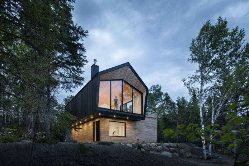 Beauty In Simplicity – A Small Contemporary Retreat In Rural Canada