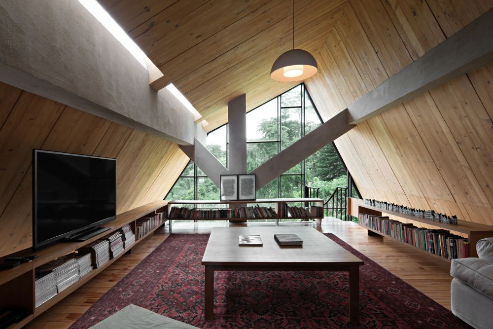 The way in which the skylights is incorporated into the roof design is very subtle and clever