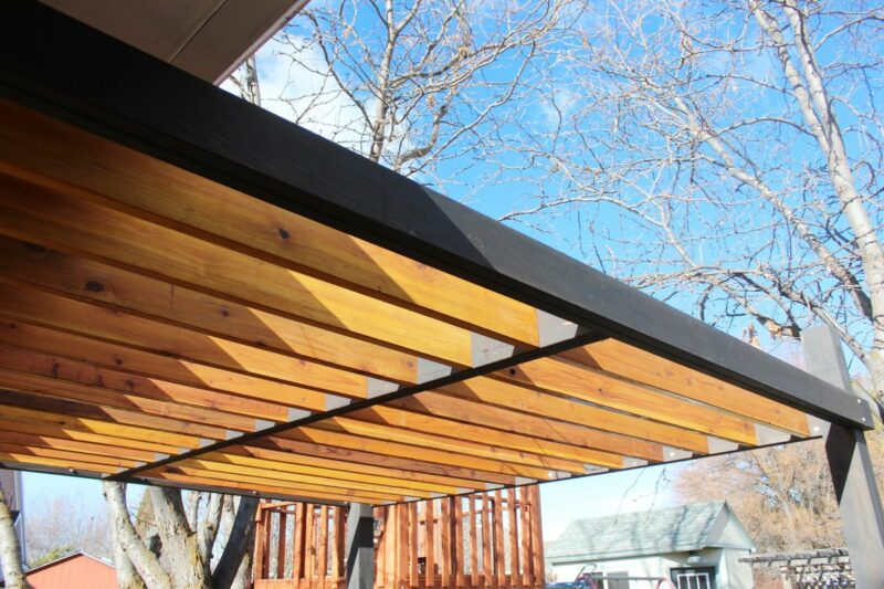 Amazing Ideas for Having a Pergola on Your Deck
