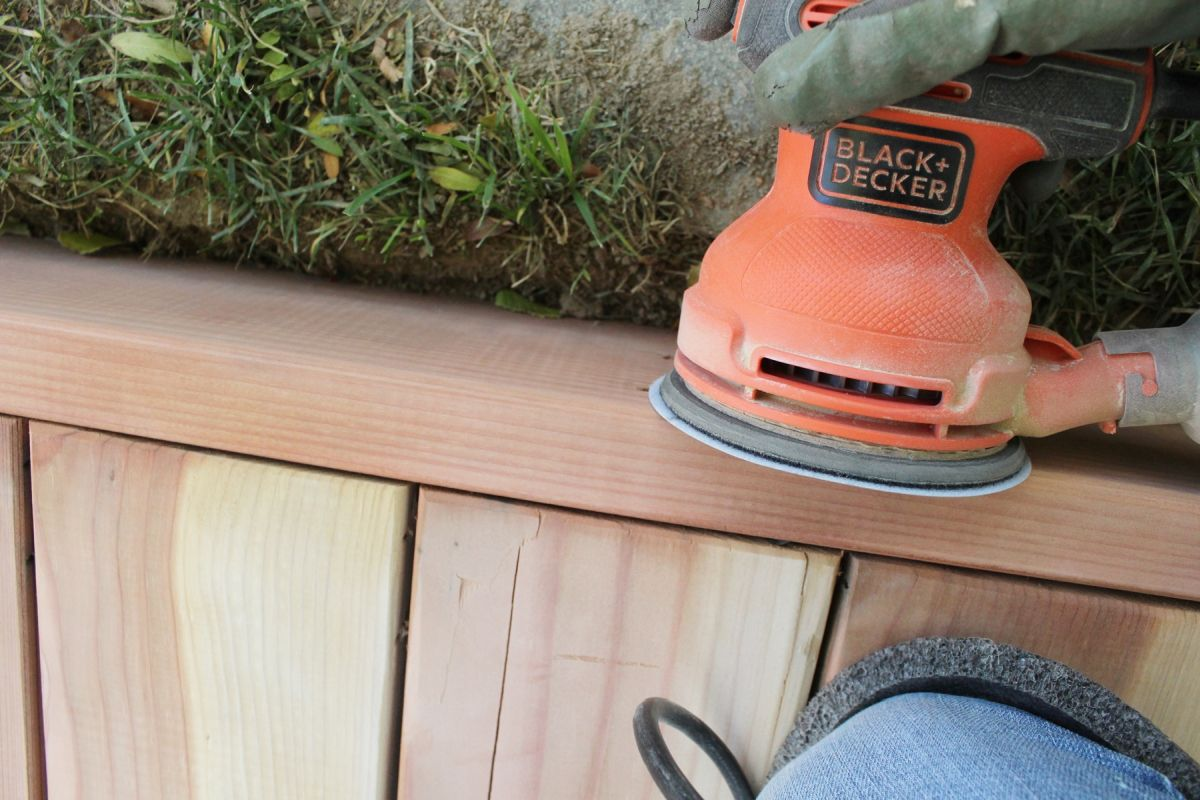 Ensure Your Deck is Smooth with the Right Sander 14