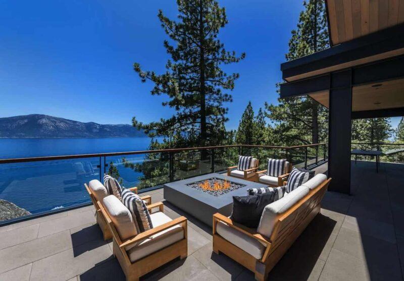 Luxurious House On The Beautiful Shore Of Lake Tahoe