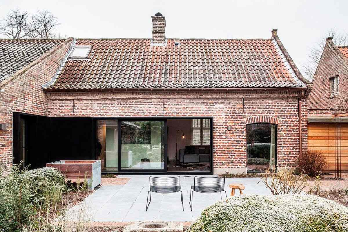 A Renovated Farmhouse Goes From Dark and Boxy to Calm and Comfortable