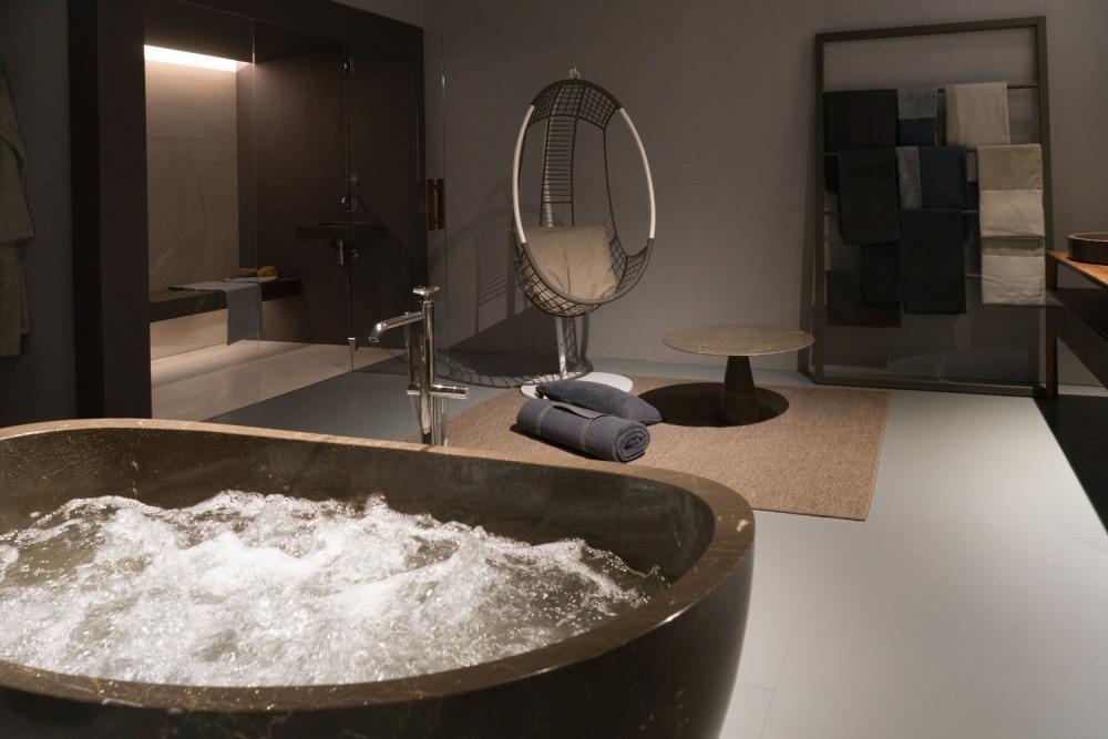 Spa like fancy bathroom decor