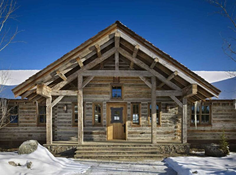 A Magnificent Alpine Retreat High Up In The Beautiful Montana Landscape