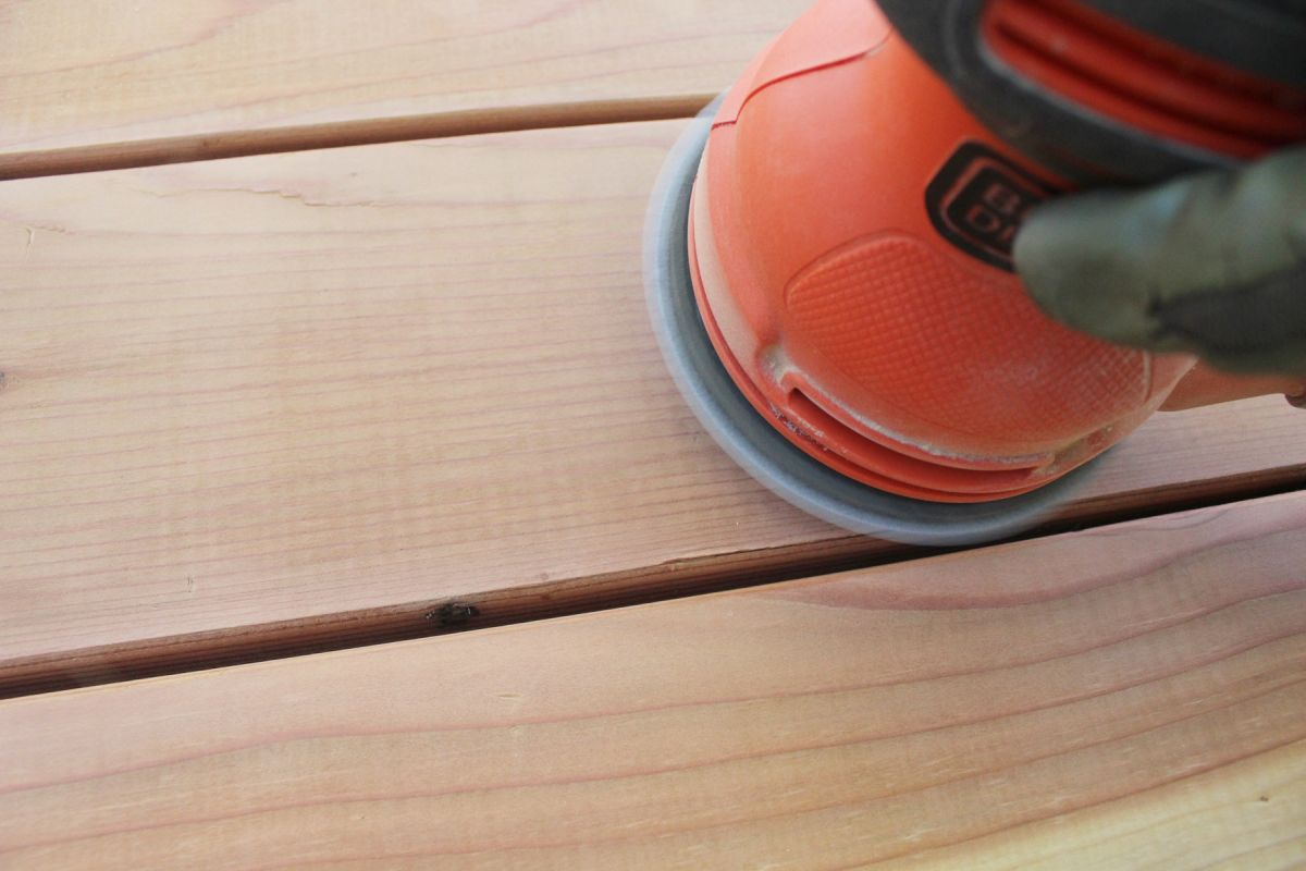 Ensure Your Deck is Smooth with the Right Sander 12