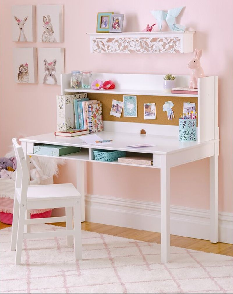 Adorable Ideas for a Kid's Writing Desk and Chair