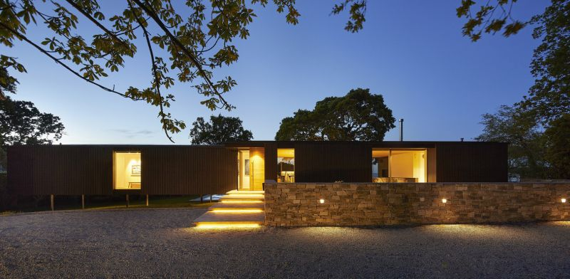The facades reveal a well-balanced series of open and closed spaces