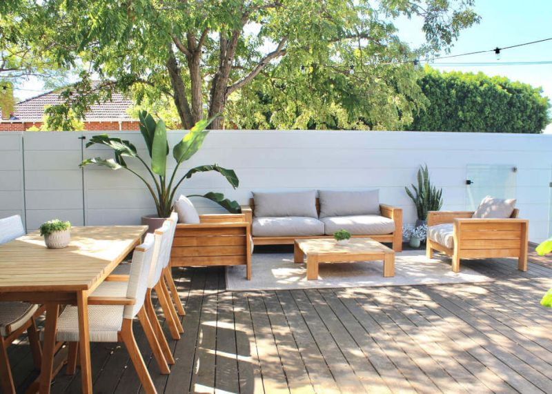 Treat a deck like an outdoor living room