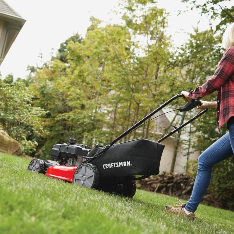 Some of the Best Self-Propelled Lawn Mowers For The Backyard Job