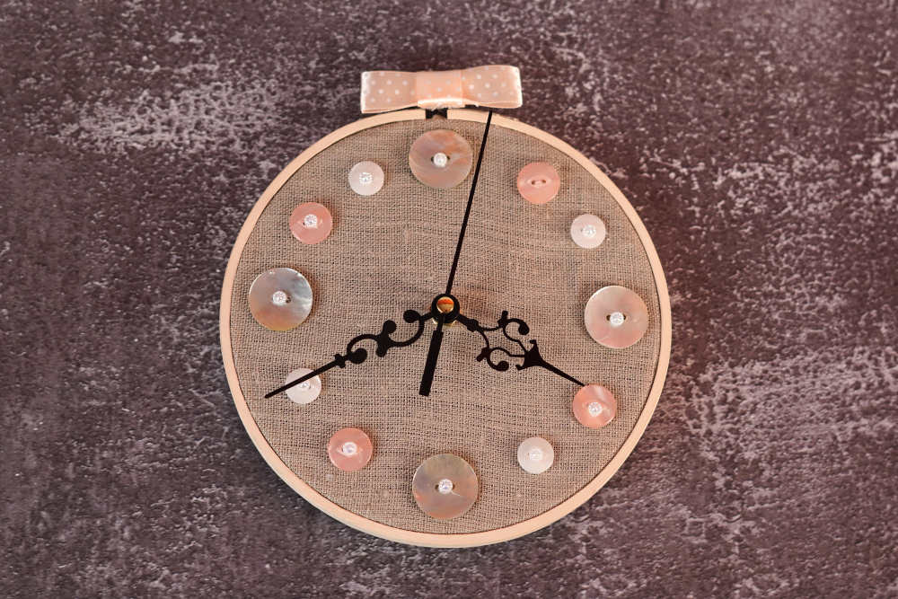 DIY wall clock using an embroidery hoop
