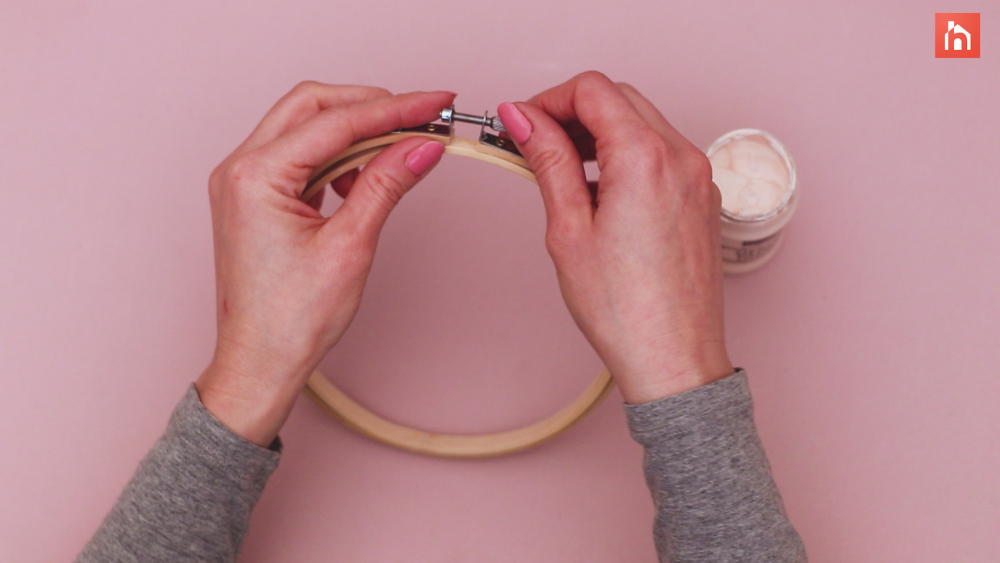 Paint the embroidery hoop