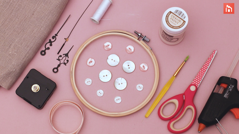 DIY wall clock using an embroidery hoop - materials