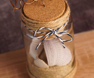 How To Make A Beach-Inspired Memory Jar For Your Little Mementos