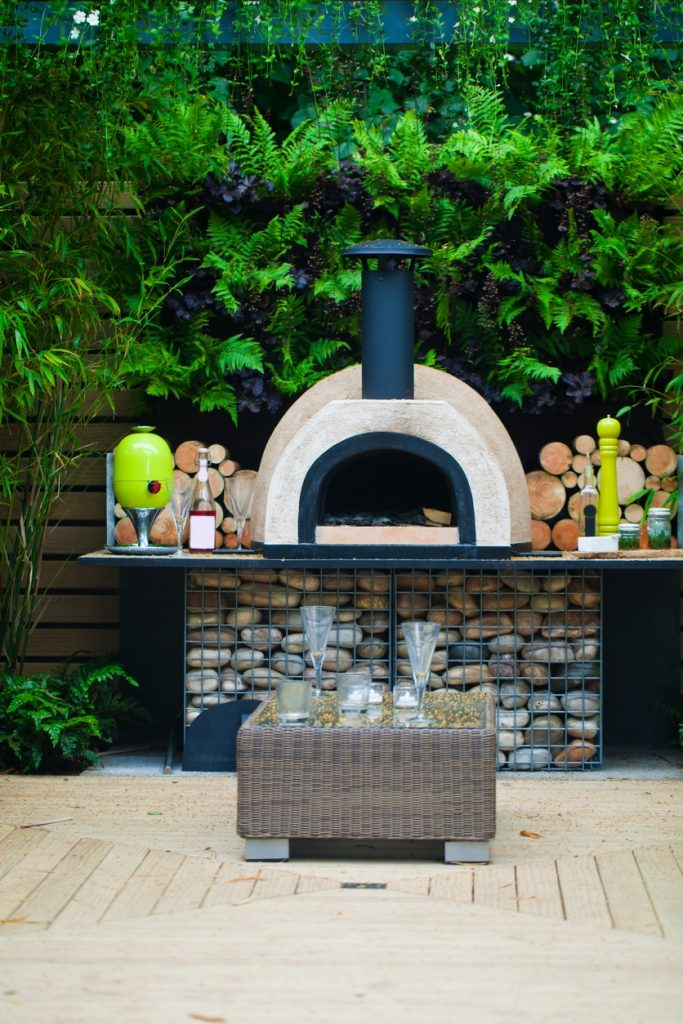 Reasons Why You Need an Outdoor Pizza Oven