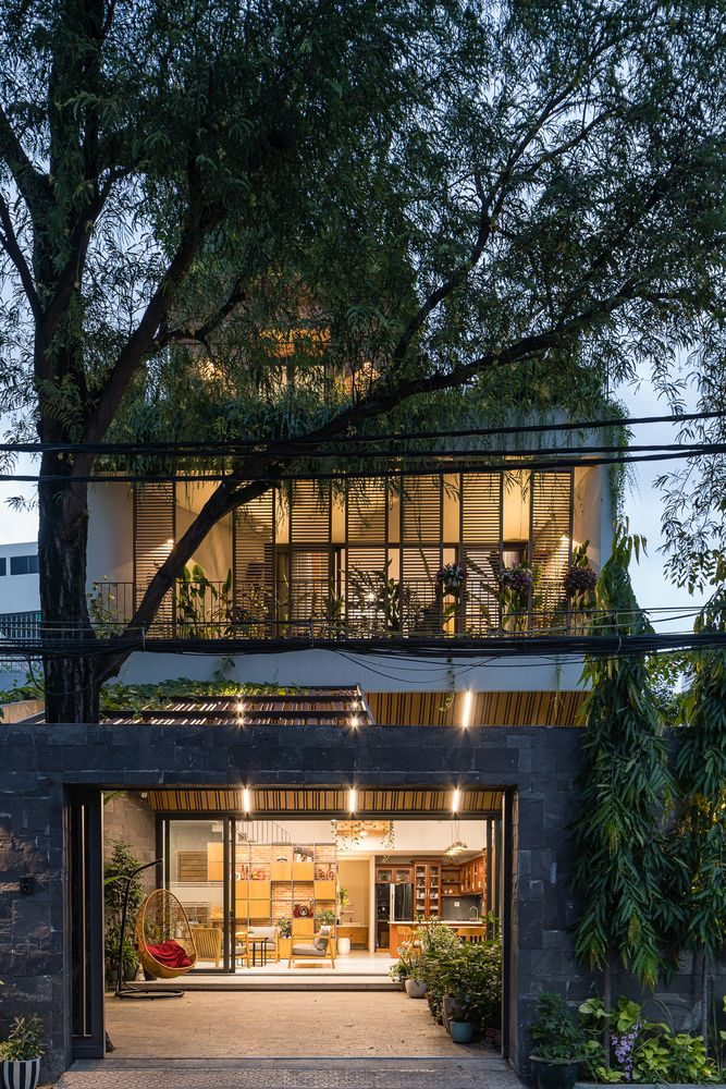 The trees and the greenery give this house a lot of character