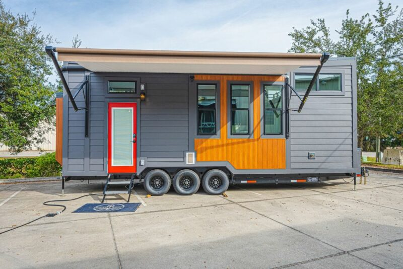 A Special Little House On Wheels For A Couple And Their Four Cats